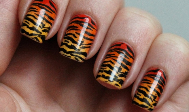 Animal print uñas de tigre